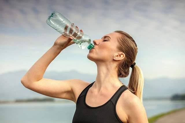 Πράγματα που μας συμβαίνουν όταν δεν πίνουμε αρκετό νερό…